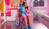 """""""บาร์บี้"""" เปิดตัวตุ๊กตาพิการ ทลายกำแพงอคติด้านความบกพร่องทางร่างกาย"""