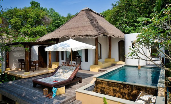 5 for Garden pool bungalow