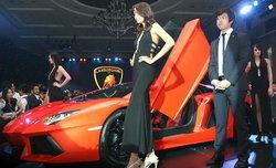 เผยซูเปอร์คาร์ใหม่พันธุ์ดุ 700 แรงม้า Lamborghini Aventador LP700-4
