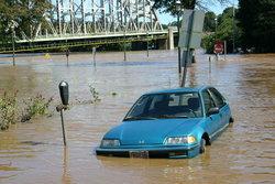 เมื่อได้เวลาคิด จะเปลี่ยนรถดีไหม หลังน้ำท่วม