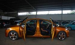 ตร.อินโดฯ จับรถยนต์ 'สองหน้า' สั่งห้ามวิ่งบนถนน