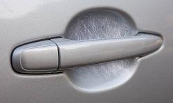 เทคนิคง่ายๆ ช่วยขจัดรอยขีดข่วนที่เบ้าประตูรถยนต์