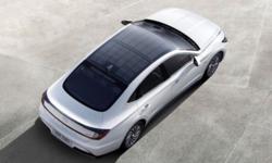 Hyundai Sonata Hybrid ใหม่ รถยนต์หลังคาโซลาร์เซลล์คันแรกของค่าย