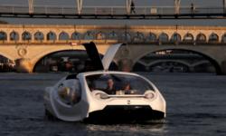 """เรือแท็กซี่ไฟฟ้า """"บับเบิลส์"""" ทดสอบแล่นในแม่น้ำแซนกลางกรุงปารีส"""