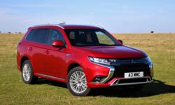 Mitsubishi Outlander PHEV รุ่นปรับปรุงใหม่เผยโฉมที่อังกฤษ ราคาเริ่มต้นราว 1.34 ล้าน