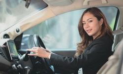 4 วิธีดูแลรถยนต์ขั้นพื้นฐานง่ายๆ ที่ผู้หญิงก็สามารถดูแลได้ด้วยตัวเอง