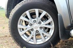 เสียงดังเวลาเลี้ยวรถเกิดจากอะไร... อันตรายไหม?
