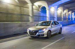 2013 Honda Accord  เผยโฉมตัวหรูที่ดูสปอร์ตมากยิ่งขึ้น