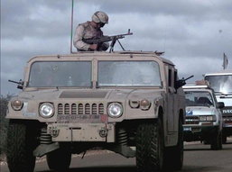 Humvee  High Mobility Multipurpose Wheeled Vehicle (HMMWV)  ยอดรถคู่ยอดนักรบ