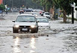 น้ำท่วมถนน จะมีวิธีปฏิบัติอย่างไร