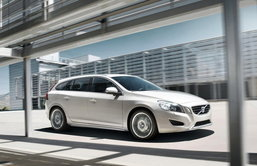 Volvo V60 Sports Wagon โดดเด่น ปลอดภัย สไตล์รถอเนกประสงค์