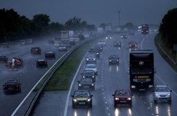 หน้าฝน...ขับรถอย่างไรให้ปลอดภัย