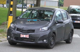 แง้มดู Toyota Yaris 2012 โฉมใหม่แอบวิ่งที่ออสซี่