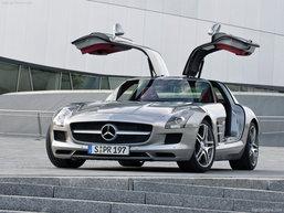 นิตยสารเยอรมันเลือกให้  เมอร์เซเดส-เบนซ์ E-Class Cabriolet และ SLS AMG เป็นรถที่สวยที่สุด