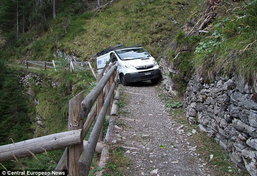 อย่างฮา!!! หนุ่มสวิสขับตาม GPS สุดท้ายติดบนเขา