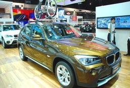 รถยนต์จากบูธ BMW
