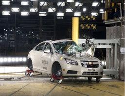 GM เป็นปลื้ม CRUZE รับ5 ดาวทดสอบชน