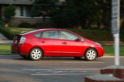 ไขปริศนา คันเร่งค้าง Toyota ..เรื่องจริงที่ไม่ชัดเจนแต่อาจเป็นไปได้