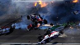 สยองคาสนาม ... Indy Car ฟัดนัว 15 คัน พานักแข่งดับอนาถ