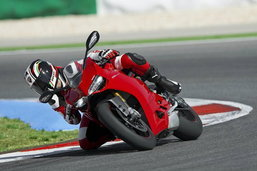 2012 Ducati 1199 Panigale ยอดซุปเปอร์ไบค์จากค่ายอิตาลี