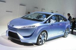 Toyota แบไต๋  FCV-R Fuel Cell ขายจริงอาจแค่ 1.4 ล้านบาท