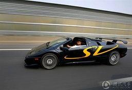 ทึ่ง! สองหนุ่มจีนสร้าง 'Lamborghini Diablo SV' ใช้เอง ซิ่งได้จริง