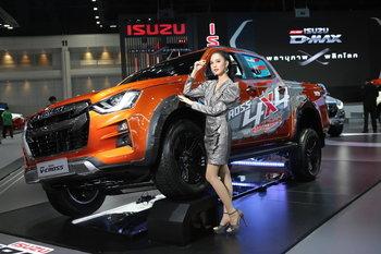 Motor Expo 2019: เตรียมโดนกระชากใจกับ 10 สาว Isuzu Lady 2019
