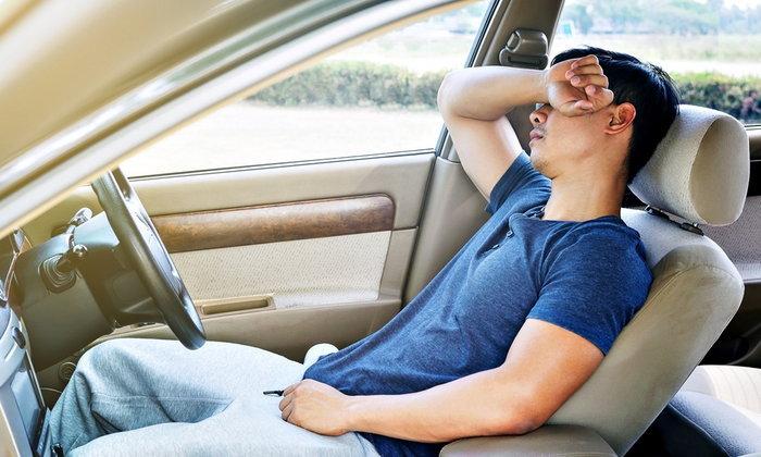 """นอนหลับในรถอย่างไรไม่ให้ """"ตาย"""" โดยไม่รู้ตัว"""