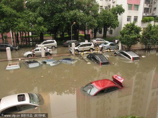 ดูแลรถยังไง..หลังถูกน้ำท่วม
