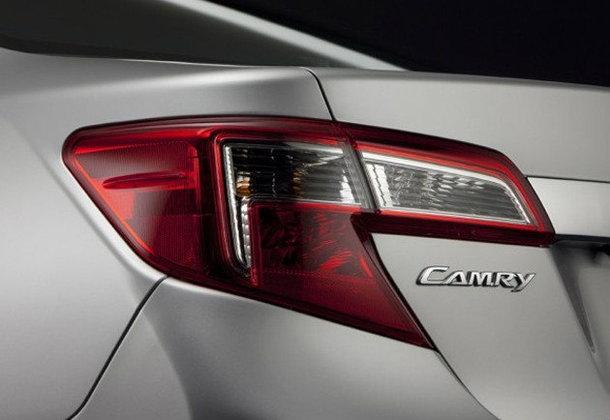 Toyota Camry 2012 ..เผยอีกทีกับบั้นท้ายงามๆ