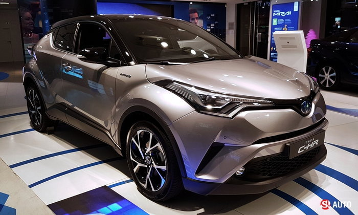 จัดเต็ม 2017 Toyota C Hr ใหม่ ทั้งภายนอก ภายใน