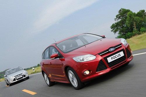 เปิดสเป็ค New! Ford Focus 1.6 พร้อมขายเคาะราคาเริ่ม 7.59 แสน เคลมประหยัดสุด 16.1 ก.ม./ลิตร