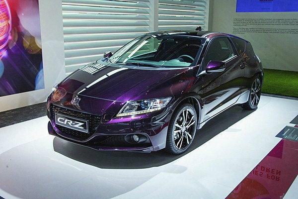 2013 Honda CR-Z  สปอร์ตคันนี้ประหยัด 20 ก.ม./ลิตร