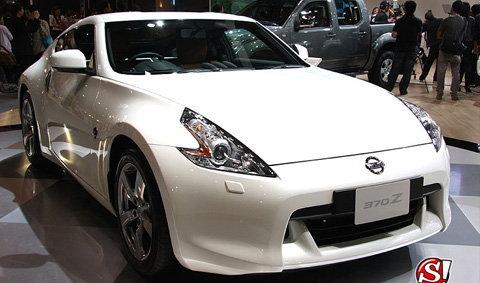 รถยนต์ NISSAN