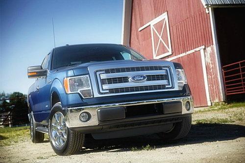New! Ford F150  งามแท้ๆ กับท่านพี่ของ  Ranger