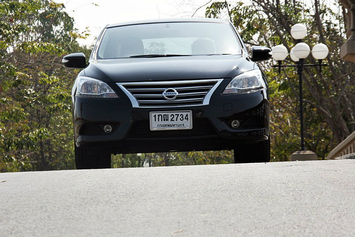Sanook! Drive : Nissan Sylphy  1.8 V  หรูโดดเด่นสมรรถนะลงตัว