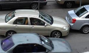 มักง่าย! ขับรถชนรถคันหน้าอย่างไม่ใยดีที่หมอชิต