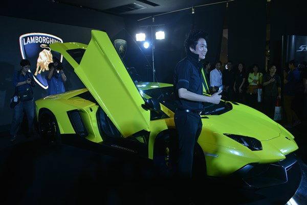 เปิดตัว Lamborghini Aventador รุ่น 50 ปี