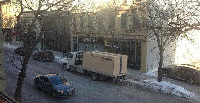 รถใส่กล่อง 'อเมซอน' ส่งถึงบ้าน