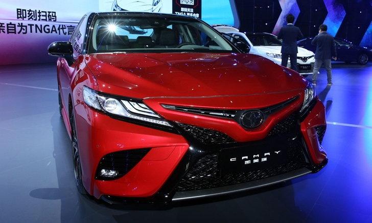 Toyota Camry 2018 ใหม่ เปิดตัวอย่างเป็นทางการแล้วที่ประเทศจีน