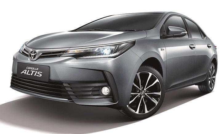 Toyota Corolla Altis 2018 รุ่น 1.8S ใหม่ เพิ่มกล้องติดหน้ารถ เคาะ 9.59 แสน