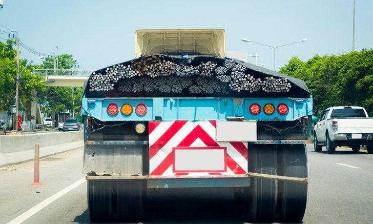 """ขนส่งเข้ม! ห้ามรถบรรทุกควันดำเข้ากทม. ลงโทษสูงสุดปรับ 5 พันบาท พ่น """"ห้ามใช้"""" ทันที"""