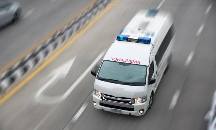 """6 วิธีให้ทาง """"รถพยาบาลฉุกเฉิน"""""""