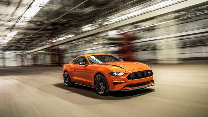 Ford Mustang รุ่นก่อนหน้านี้ที่ชื่อ Ford Mustang 2.3L High Performance 2020