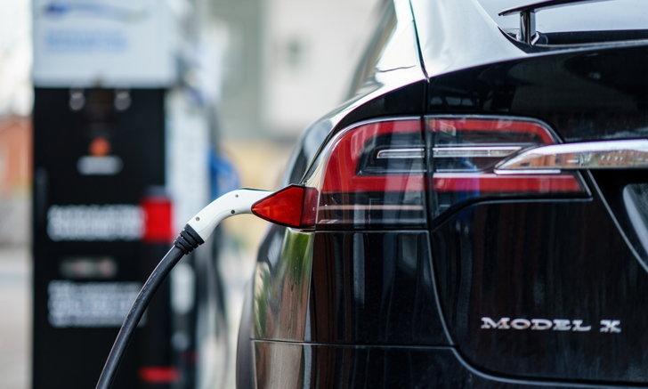 Tesla เร่งผลิตแบตเตอรี่รถยนต์ไฟฟ้าของตนเองในฟรีมอนต์กับโครงการ Roadrunner
