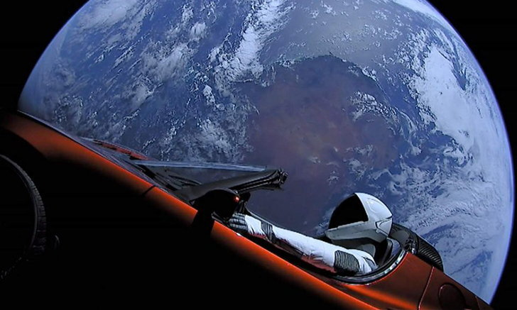 สุดมหัศจรรย์! SpaceX เผย Tesla Roadster เดินทางเข้าใกล้ดาวอังคารแล้ว