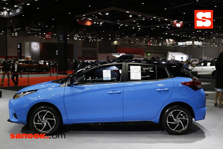 Toyota Yaris รุ่น Sport Premium with Black Roof