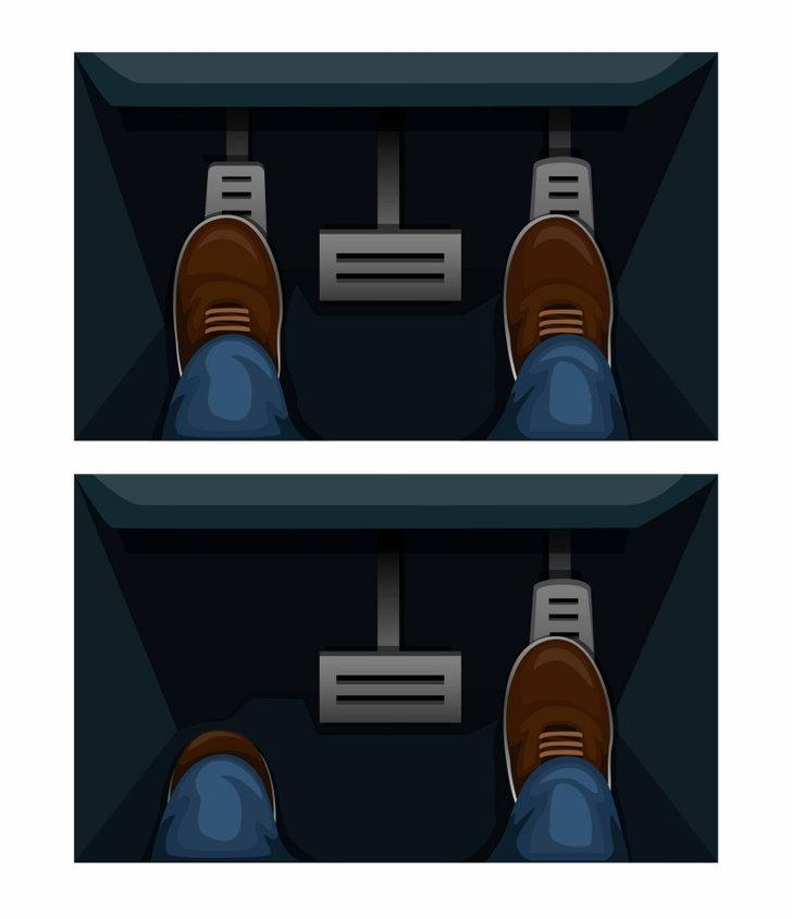 car_pedals01