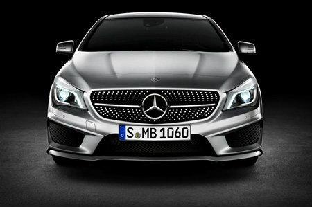 ราคารถใหม่ Mercedes Benz ในตลาดรถประจำเดือนกุมภาพันธ์ 2558