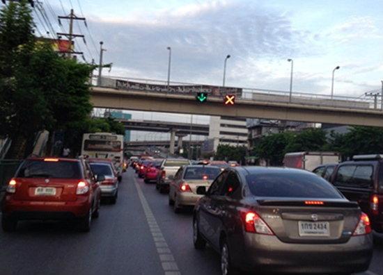 อึ้ง! ผลสำรวจชี้คนไทยอยู่บนรถมากกว่า 20 ชั่วโมงต่อสัปดาห์